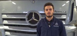 Présentation d'un élève apprenti ingénieur en mécatronique automobile